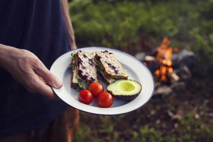 Matsäck - Glutenfritt bröd, Avokado och Tomater