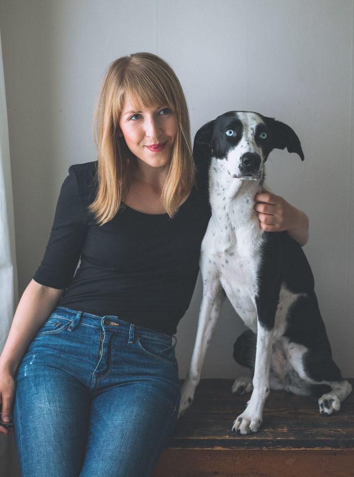 Evelina och hunden Elsie